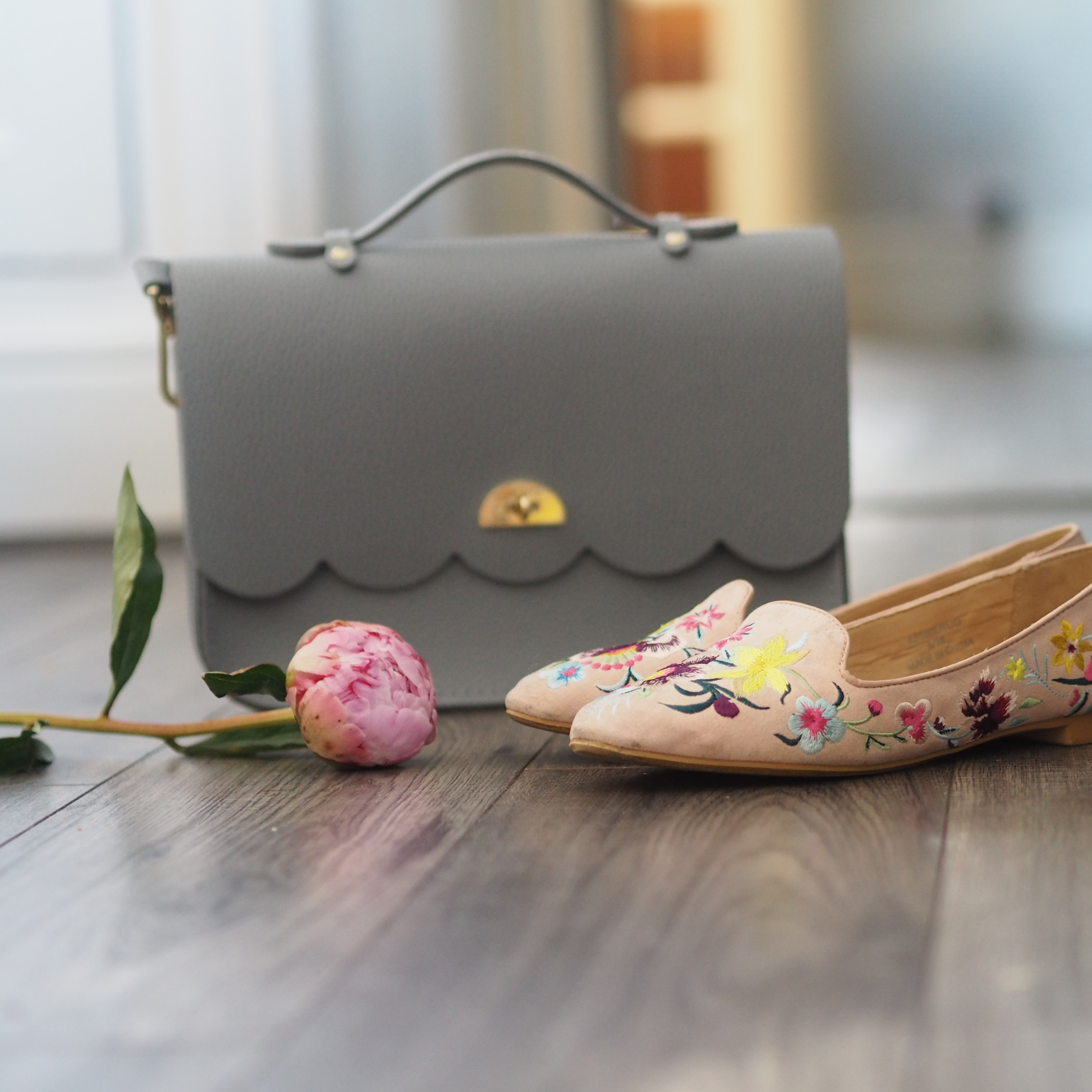 OOTD Topshop embroidered pumps, Cambridge Satchel Company bag