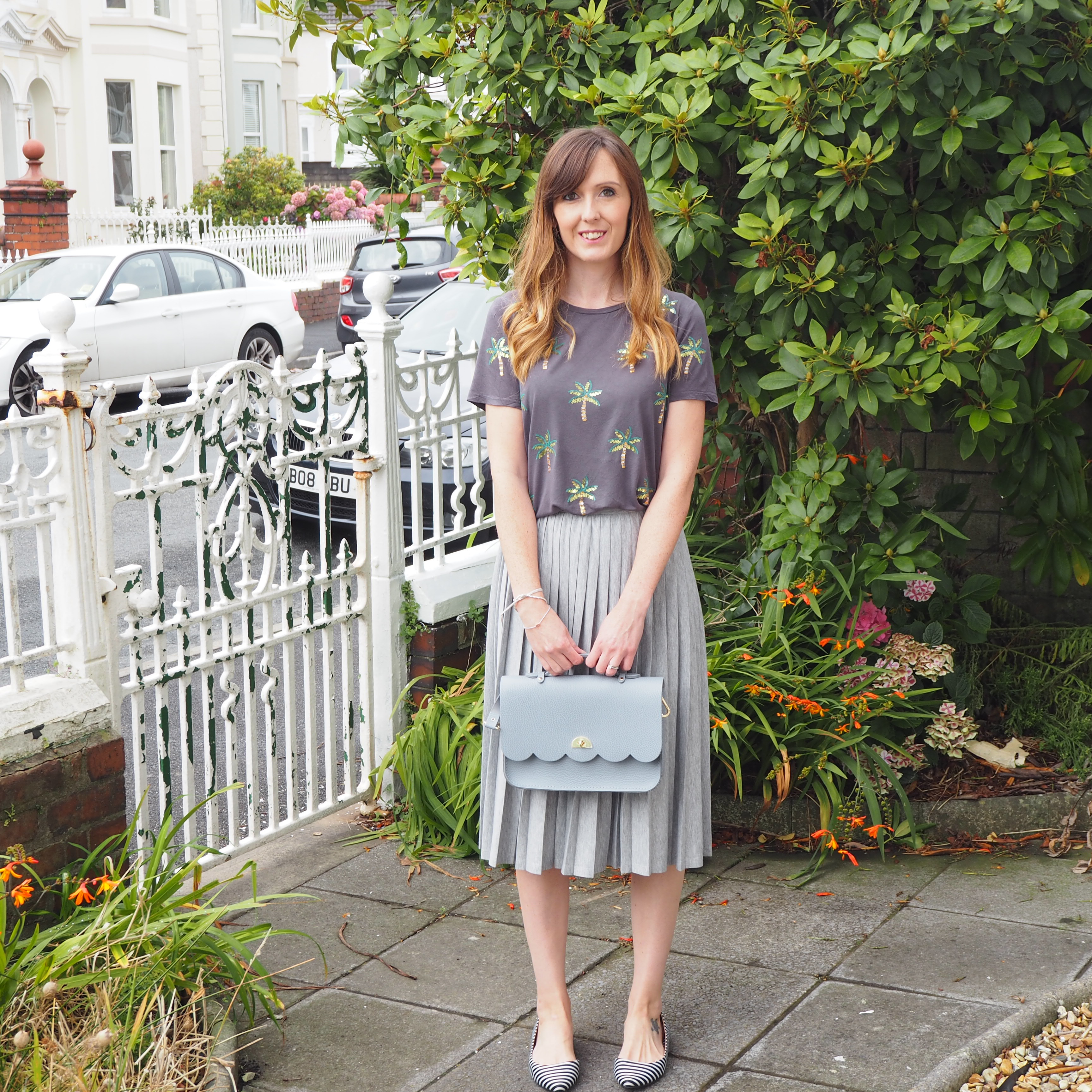 OOTD Casual grey pleated skirt for the day